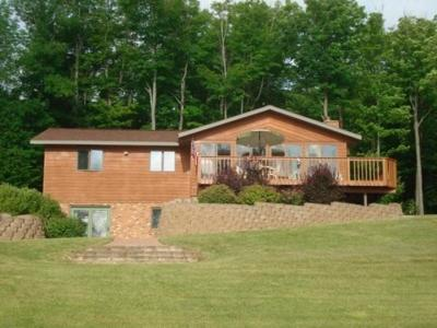 Presque Isle Single Family Home For Sale: 8142 Ridge Rd