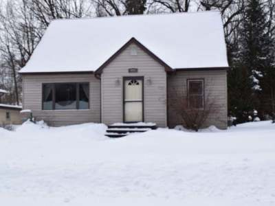 Single Family Home Sold: 809 Balsam St
