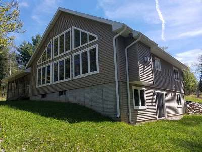 Pickerel Single Family Home For Sale: 1537 Maple Ridge Rd