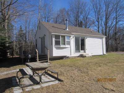 Forest County, Iron Wi County, Langlade County, Lincoln County, Oneida County, Vilas County Single Family Home For Sale: 3299 Round Lake Rd