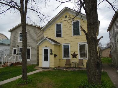 Tomahawk Single Family Home For Sale: 211 Wisconsin Ave E