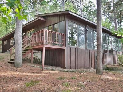 Eagle River Single Family Home For Sale: 1121 Wooded Ln
