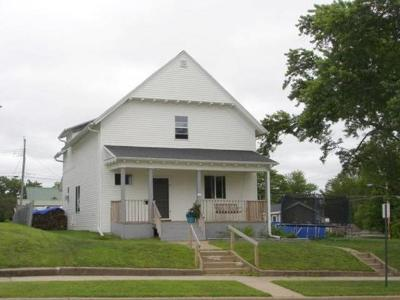 Merrill Single Family Home For Sale: 403 Prospect St