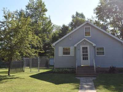 Single Family Home Sold: 308 Lois St