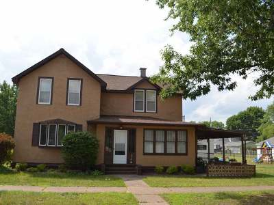 Tomahawk WI Single Family Home For Sale: $79,900