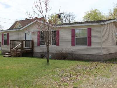 Eagle River WI Single Family Home For Sale: $99,500
