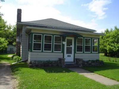 Eagle River Single Family Home For Sale: 112 Fourth St N