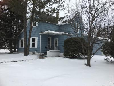Antigo Single Family Home For Sale: 1019 Superior St