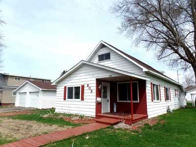 Merrill Single Family Home For Sale: 803 Superior St