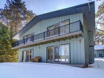 Eagle River WI Single Family Home For Sale: $247,500