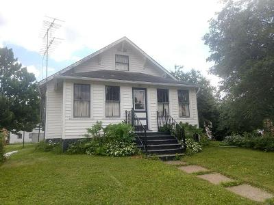 Single Family Home For Sale: 641 Main St