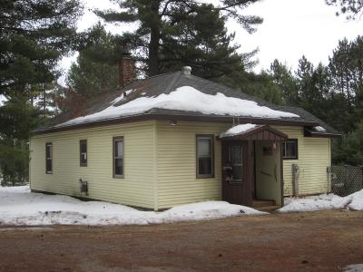 Eagle River WI Single Family Home For Sale: $105,000