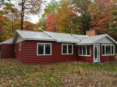 Three Lakes WI Single Family Home For Sale: $285,000