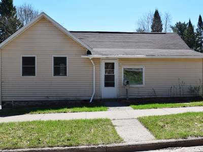 Single Family Home Sold: 916 Eagle St