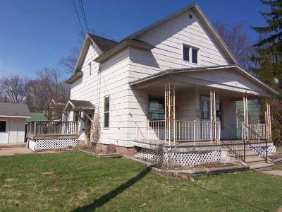 Antigo Single Family Home For Sale: 308 Superior St