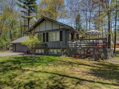 Eagle River WI Single Family Home For Sale: $162,000