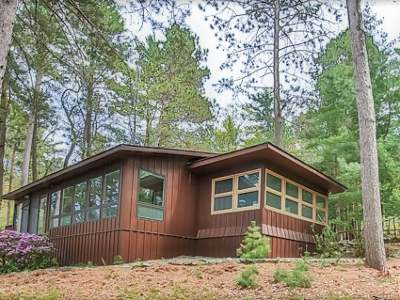 Eagle River WI Single Family Home For Sale: $675,000
