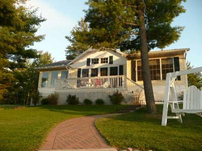 Eagle River WI Single Family Home For Sale: $429,000