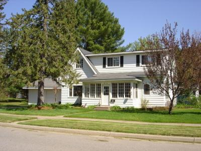 Merrill Single Family Home For Sale: 1010 9th St E