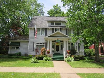 Antigo Single Family Home For Sale: 922 Clermont St