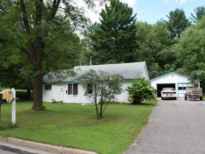 Single Family Home Sold: 944 Echo Ln