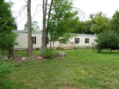 Single Family Home For Sale: N5429 Hwy 17