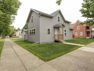 Wausau Single Family Home For Sale: 702 Humboldt Ave