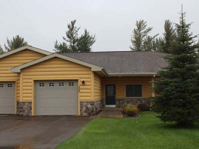 Eagle River WI Condo/Townhouse Active O/C: $142,500