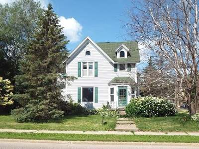 Antigo Single Family Home For Sale: 836 Superior St