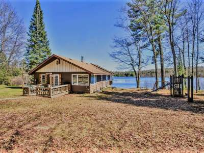 Eagle River WI Single Family Home For Sale: $259,900
