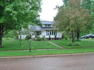 Antigo Single Family Home For Sale: 331 10th Ave
