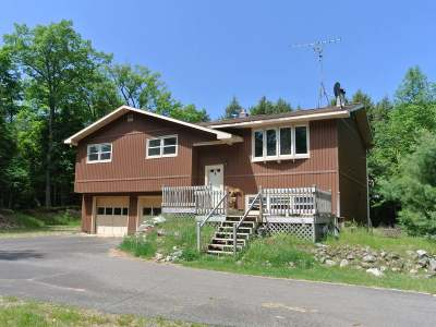 Three Lakes WI Single Family Home Active Under Contract: $160,000