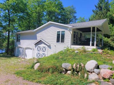 Land O Lakes Single Family Home For Sale: 6453 Landing Lake Rd