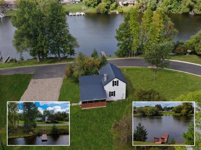Eagle River Single Family Home For Sale: 435 River St