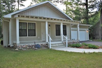 Minocqua Single Family Home For Sale: 9487 Country Club Rd