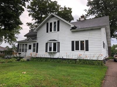 Merrill Single Family Home For Sale: 311 Scott St