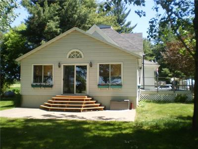 New Auburn WI Single Family Home For Sale: $149,000