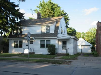 Menomonie WI Single Family Home For Sale: $128,400