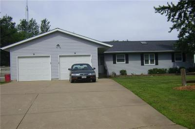 Black River Falls Single Family Home Active Offer: 305 Taylor Drive