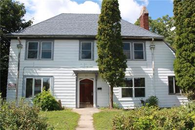Menomonie Single Family Home For Sale: 301 W 2nd Street