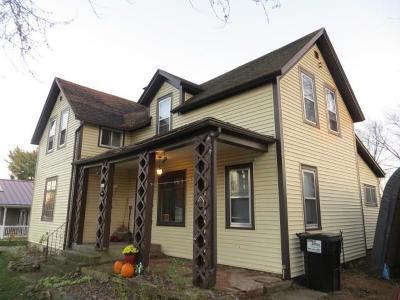 Clark County Multi Family Home For Sale: 413 W School #1&2
