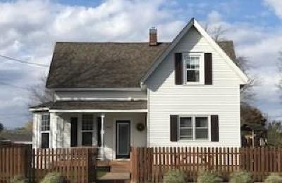 Chippewa Falls Single Family Home For Sale: 1022 Pearl Street