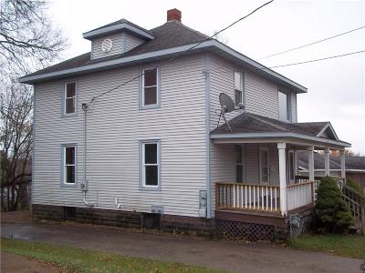 Black River Falls Multi Family Home For Sale: 123 N Third Street #1