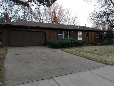 Eau Claire Single Family Home Active Offer: 2329 Cornell Court