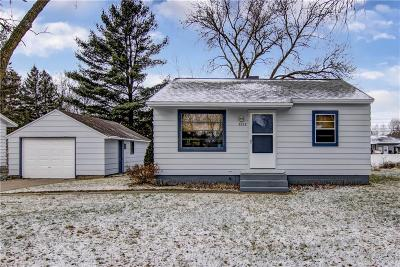 Eau Claire Single Family Home For Sale: 3228 Mars Avenue