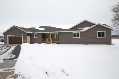 Chippewa Falls Single Family Home For Sale: 936 Bluff View Court
