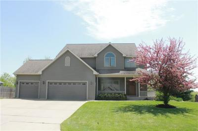 Eau Claire Single Family Home For Sale: 4825 Promontory Court