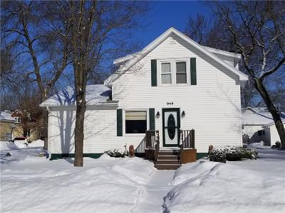 Chippewa Falls Single Family Home Active Offer: 946 Mansfield Street