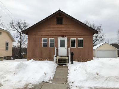 Eau Claire Single Family Home For Sale: 1104 Emery Street