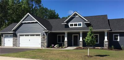 Eau Claire Single Family Home Active Offer: 4742 S Oakwood Hills Parkway